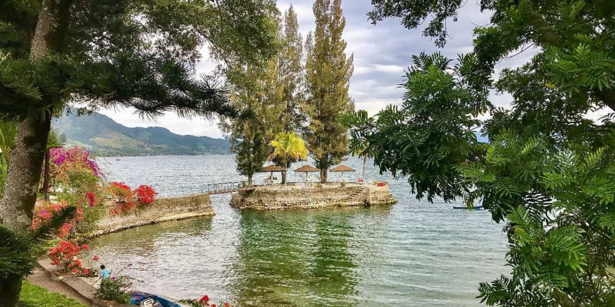 Danau Toba Tour
